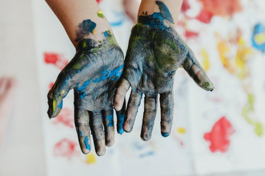 Bonnes raisons d'initier les enfants aux loisirs créatifs.
